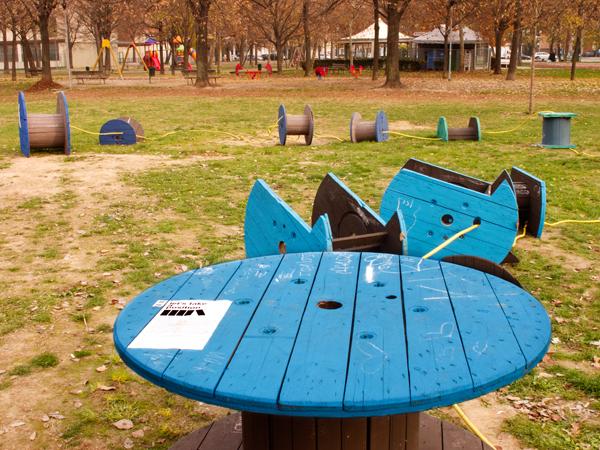 Green Days Project :: L'opera di arte pubblica Let's Take a Position di Enrico Vezzi al Parco Parker-Lennon di Bologna